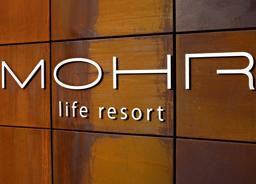 mohr-sign_mg_98780074.jpg