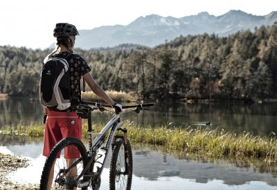 mountainbike_am_see_02.jpg