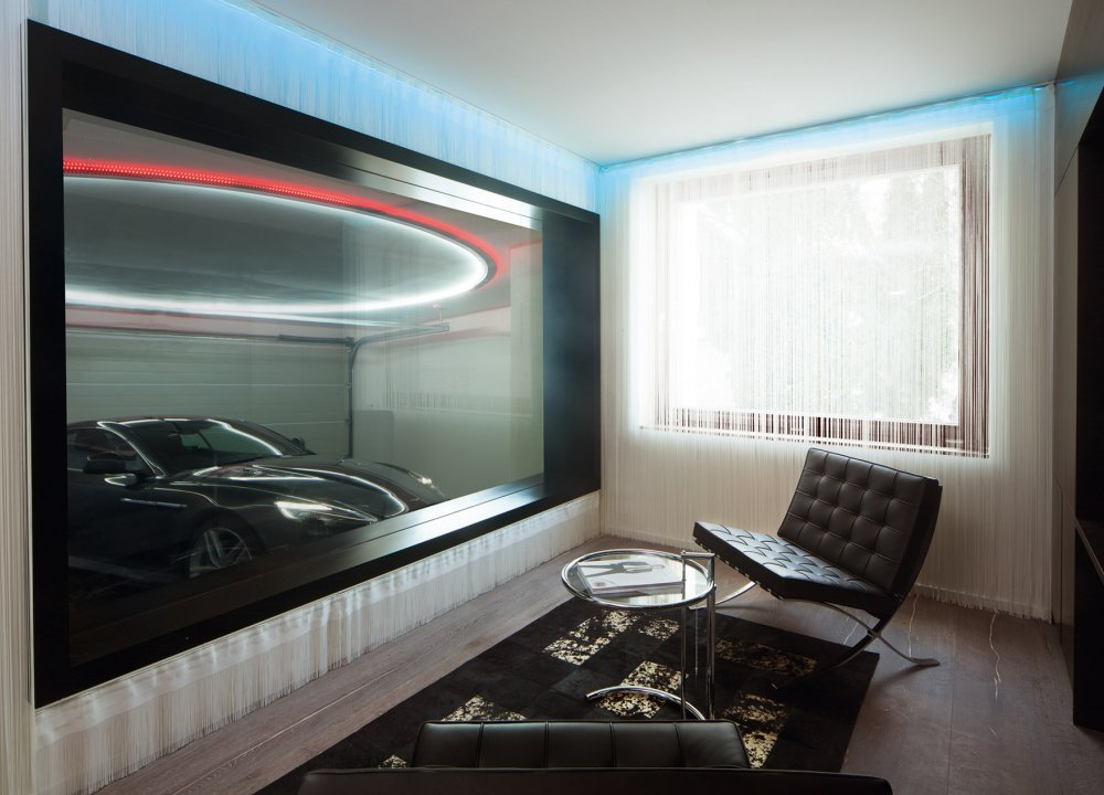 suite_007_room_aston_martin.jpg